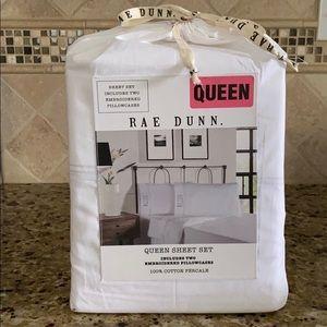 Rae Dunn Queen sheet set